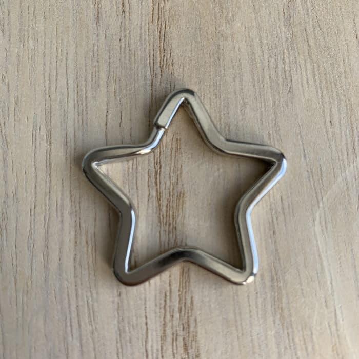 Attache étoile